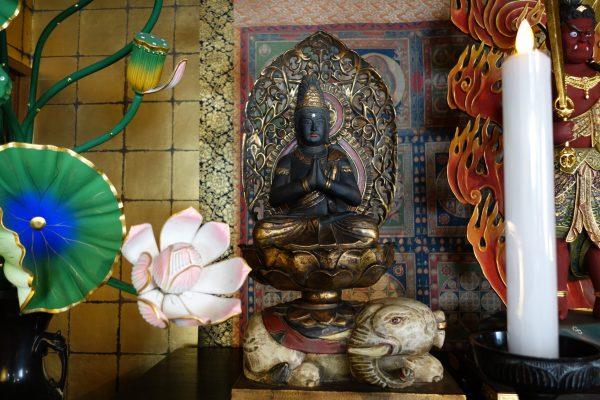 別殿の普賢菩薩様DSC06457